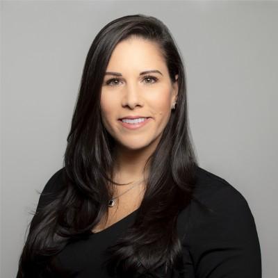 Kristi Faltorusso headshot